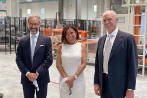 Roberto e Alessandro Di Maio con il ministro Paola De Micheli
